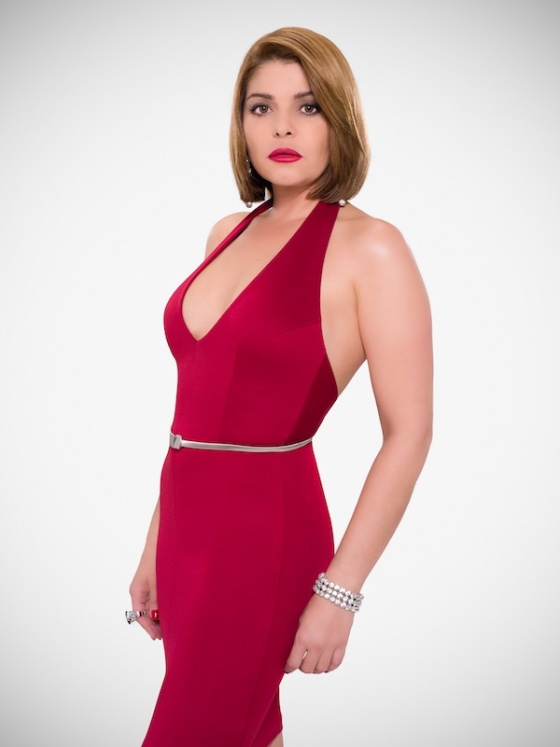 During the promotional tour of ¿Quien Mato a Patricia Soler?, the popular Mexican actress Itati Cantoral captured the eyes with her infamous red dress. Photo: MundoFOX